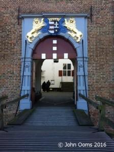 ophaalbrug met poort van kasteel Ammersoyen JO